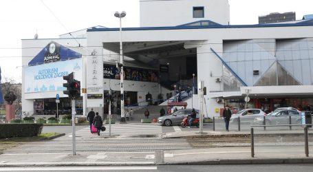 Auto ozlijedio dvoje naletjevši na terasu restorana u središtu Zagreba