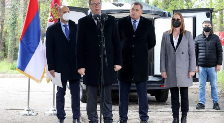 "Dodik za ""miran razlaz"" u BiH, Vučić ne zna za Janšin ""non paper"""