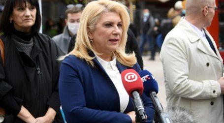 """Škare Ožbolt posjetila Rome i kritizirala Tomaševića: """"Njegova strategija getoizira Rome i cementira njihovo siromaštvo"""""""
