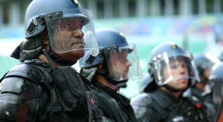 Usred policijskog sata izbili navijački neredi u Mostaru, jedna osoba teško ozlijeđena