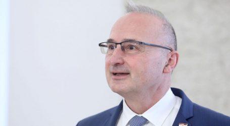 S rezidencije veleposlanika u Beogradu skinuta hrvatska zastava, Grlić Radman osudio taj čin
