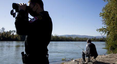 Policija na granici pronašla 15 stranaca, dvojici ozlijeđenih pružili prvu pomoć