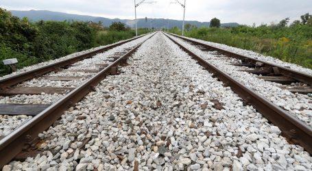 U Kaštel Gomilici teretni vlak usmrtio pješaka