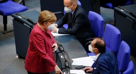 Njemačka kancelarka Angela Merkel cijepljena AstraZenecom