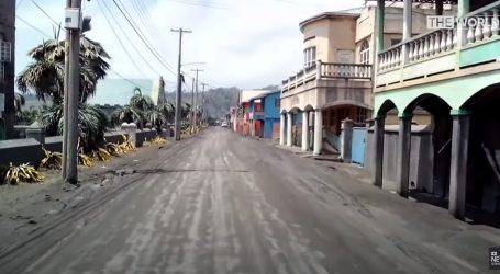 Nakon erupcije vulkana otok Sveti Vincent i dalje prekriven pepelom