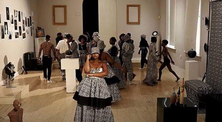 Sveučilište Nelson Mandela predstavilo crno-bijelu umjetničku modnu reviju