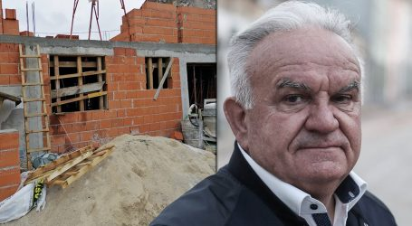 Tvrtka Dumbovićeva sina koja je zaradila milijune na poslovima u Petrinji, gradi novu kuću nedaleko od Poreča