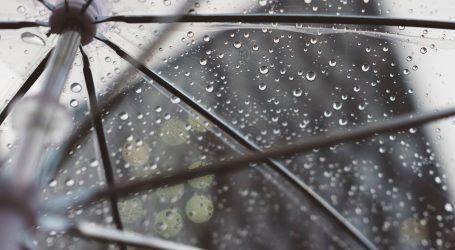 Oblačno s povremenom kišom, na Jadranu vjetrovito