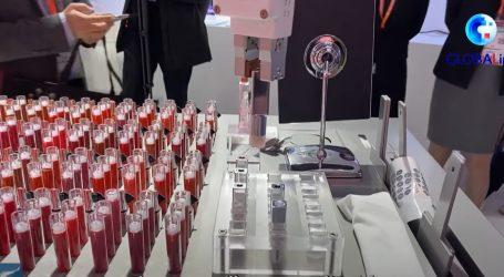Suvremena tehnologija u Šangaju: Robot stvara ruž za usne, treba samo izabrati boju