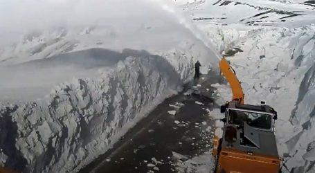 U turskim planinama snijeg zatrpao ceste, zimska služba u punom pogonu