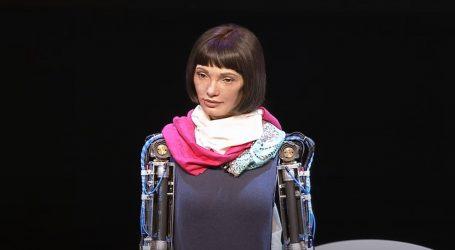 London: Humanoidni robot Ai-da otvorio izložbu autoportreta