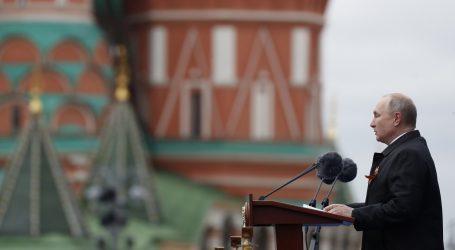 Putin objavio da se cijepilo petnaest posto Rusa