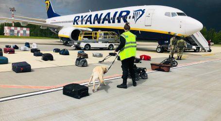 Zrakoplov Ryanaira zbog prijetnje bombom prisilno sletio u Berlin