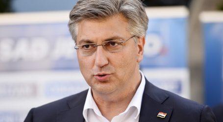 """Plenković: """"Grmoja izmišlja, mi rano ustajemo i puno radimo"""""""