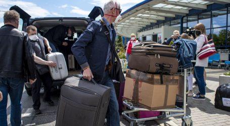 Protjerani ruski diplomati napustili Češku