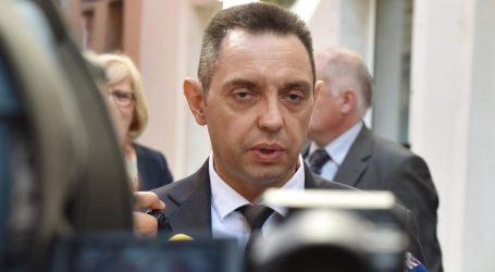 """Aleksandar Vulin o incidentu u Borovu: """"Policija poslušno slijedi siledžije i kukavice. Tražimo kazne"""""""