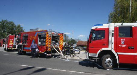 Nema ozlijeđenih: Ugašen požar u stanu u Remetinečkom gaju, spašene tri osobe