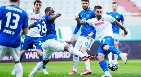 Dinamičan derbi Hajduka i Dinama završio bez pobjednika
