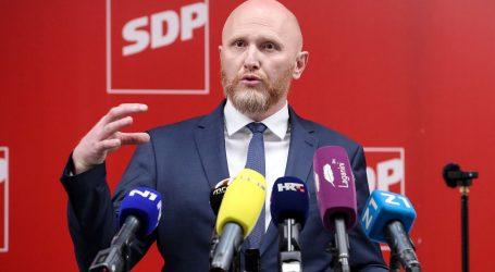 """SDP-ov Petek: """"Kontrolori ZET-a dobili poruku operatora da ih isključuju zbog duga"""". ZET: """"U pitanju je nesporazum"""""""