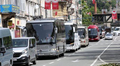 Glas poduzetnika: Vlada RH ostavila event industriju, putničke agencije i povremeni prijevoz putnika na cjedilu