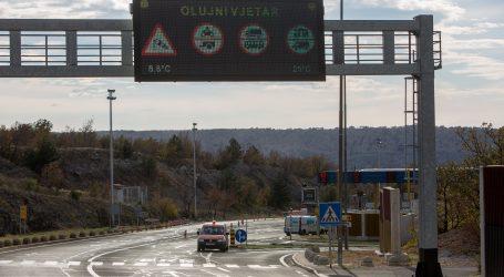 HAK: Zbog olujnog vjetra zatvoren dio Jadranske magistrale