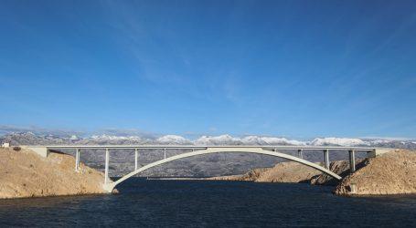 HAK: Zbog vjetra Paški most otvoren samo za osobna vozila