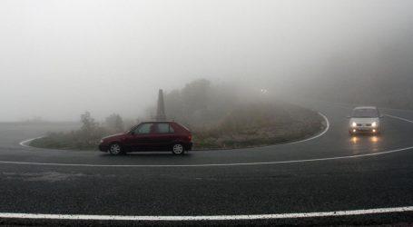 HAK: Magla u Gorskom kotaru, mokri i skliski kolnici u Dalmaciji