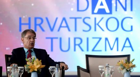 Makarska: Cijepljeno 1344 turistička djelatnika