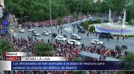 Velika fešta u Madridu: Tisuće navijača Atletico Madrida slavile naslov prvaka