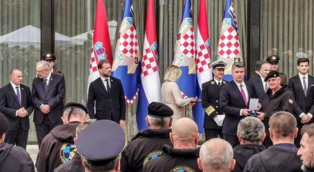 Dan Oružanih snaga: Predsjednik Milanović uručio odlikovanja na prijemu na Pantovčaku