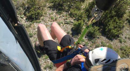 Čovjeka na Velebitu ugrizao poskok. Poslan je helikopter, akcija trajala dva i pol sata