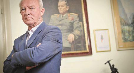 """Habulin: """"Plenković bi htio učiniti pozitivne pomake prema antifašizmu"""""""