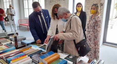 Otvoren 26. San(j)am knjige u Istri, posjetio ga i novi pulski gradonačelnik