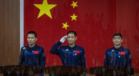 Kina lansirala svemirsku letjelicu s ljudskom posadom