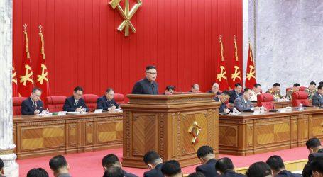 """Sjevernokorejski vođa Kim Jong-un: """"Sjeverna Koreja mora se pripremiti i za dijalog i za sukob sa Sjedinjenim Državama"""""""