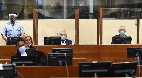 """Predsjednica Udruženja Majke Srebrenice: """"Kazna od 12 godina je nagrada koja im je dodijeljena za zlodjela koja su činili"""""""