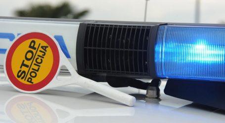 U teškoj nesreći u Turnju poginuo vozač automobila, maloljetni vozač mopeda ozlijeđen