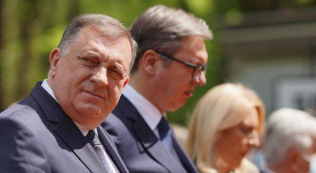 """Vučić uz Dodika: """"Opasno je igrati se bonskim ovlastima bez suglasnosti RS"""""""