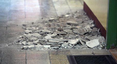 Potres kod Šibenika: Oštećena škola u Vrpolju, žbuka padala i po klupama
