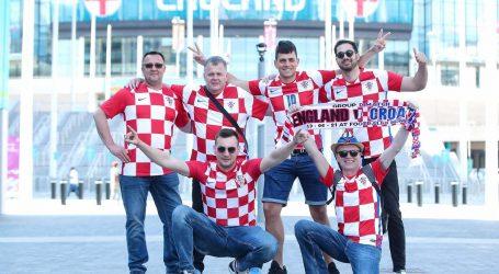 Navijači se skupljaju pred Wembleyjem. Poznati sastavi Hrvatske i Engleske, na ulazu u stadion stroge mjere