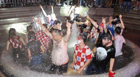 Veliko slavlje na Trgu bana Jelačića, zapjevao i Miroslav Škoro