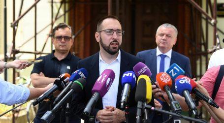 """Novinari: """"Srušene su tri kuće"""". Ministar Horvat: """"Nisu, srušene su dvije. Treća je u fazi rušenja"""""""