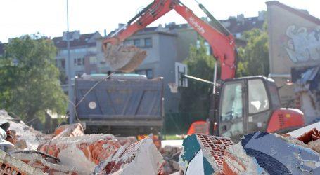 Krenulo rušenje prve kuće u Zagrebu, od potresa je prošlo gotovo 450 dana