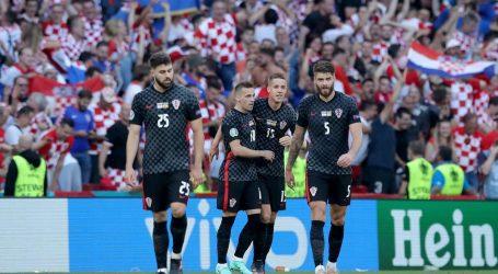 Utakmice na EURO-u Hrvatska je igrala s pogrešnim grbom, na dresu 'Vatrenih' prvo polje je bilo bijelo. Evo što kažu iz HNS-a