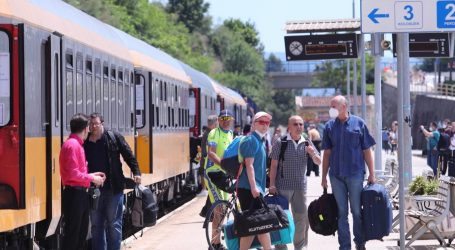 Nakon Čeha iduće ljeto vlakom na more stižu i Poljaci, razmišlja se o liniji Varšava – Split