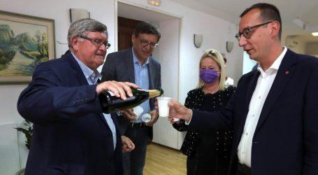 Vojko Obersnel nakon 21 godine predao vlast, novi gradonačelnik Marko Filipović od danas vodi Rijeku