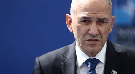 Janša: Slovenci od ponedjeljka mogu birati koje će cjepivo primiti