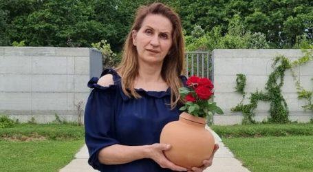 Novost iz Spomengaja: Varaždinka stvara keramičke urne iz kojih klija novi život