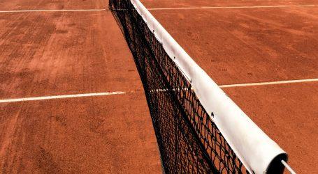 Najduži meč u povijesti tenisa odigran je na Wimbledonu, trajao je 11 sati i pet minuta
