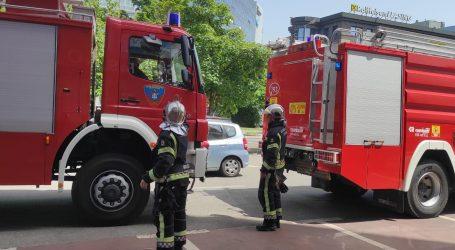 Izbio požar u sobi sa serverima u Agenciji za plaćanja u poljoprivredi, vatrogasci na terenu
